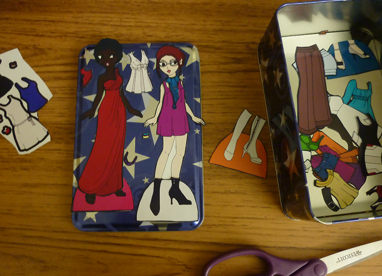 How to make Magnetic paper dolls: Two Methods